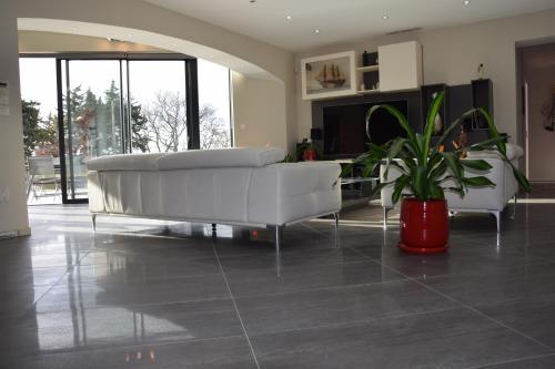 The lobby or reception area at Gite de Garance