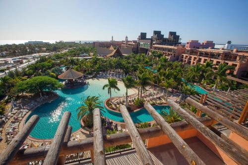 A view of the pool at Lopesan Baobab Resort or nearby