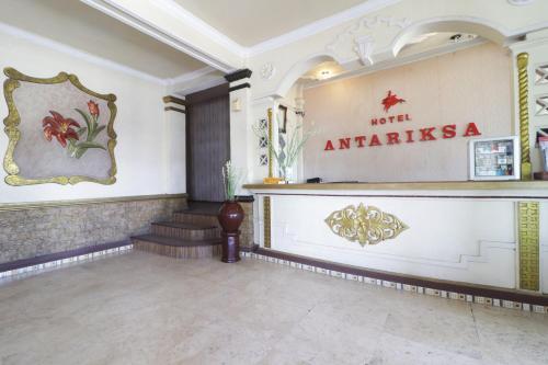 Area lobi atau resepsionis di HOTEL ANTARIKSA