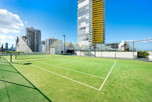 Tennis and/or squash facilities at Air on Broadbeach or nearby