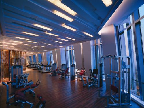 The fitness center and/or fitness facilities at Shangri-la China World Summit Wing, Beijing
