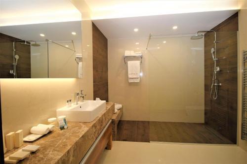 A bathroom at Hotel Magnus Trenčín
