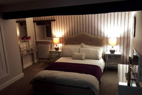 5 Bedroom House Sleeps 10-14
