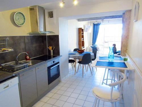 Cuisine ou kitchenette dans l'établissement Gite des remparts à Lectoure