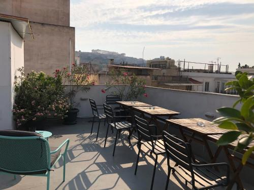 A balcony or terrace at Boutique Central Apartments Acropolis View