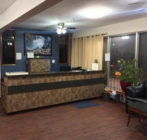El vestíbulo o zona de recepción de Joys Inn Niagara Falls