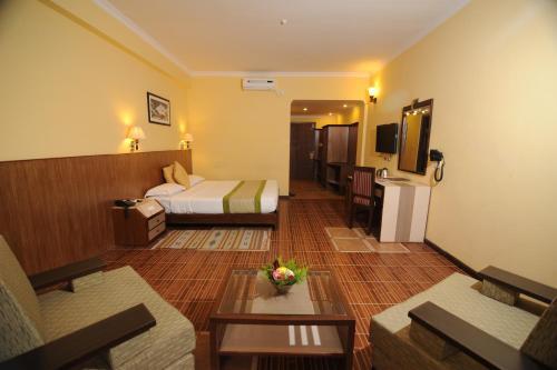 Гостиная зона в Mount Kailash Resort