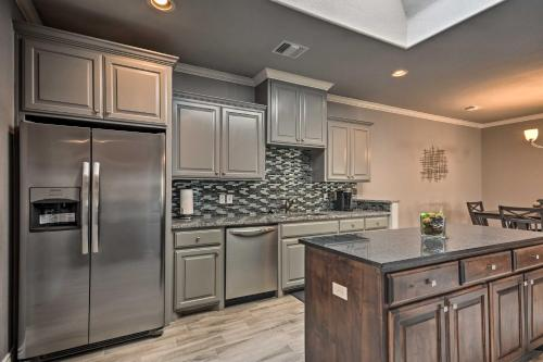A kitchen or kitchenette at Pet-Friendly Home - 24Mi to Palo Duro Canyon!