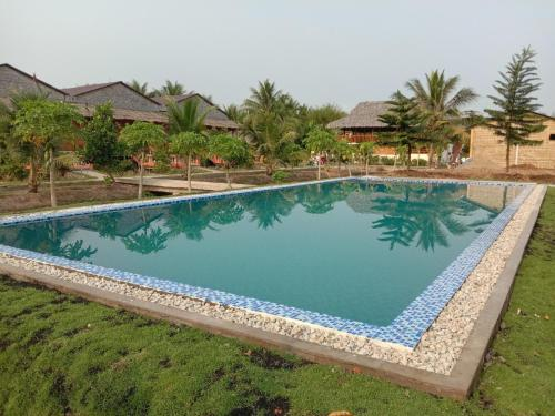 The swimming pool at or near MEKONG NATURE LODGE
