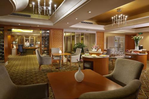 The lounge or bar area at Dalian East Hotel