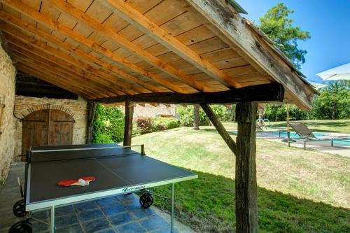 Ping-pong facilities at Landerrouat Villa Sleeps 8 Pool WiFi or nearby