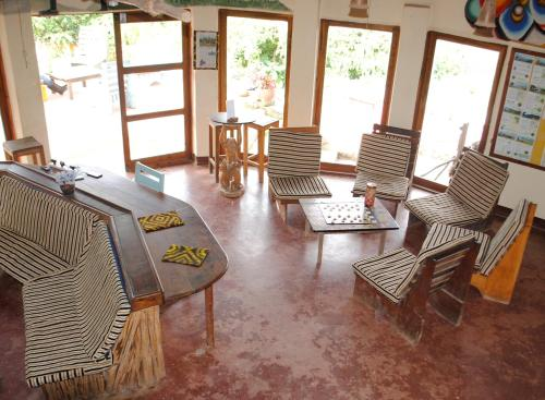 A seating area at Mambo View Point