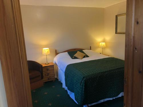 A bed or beds in a room at The Head At Middleton