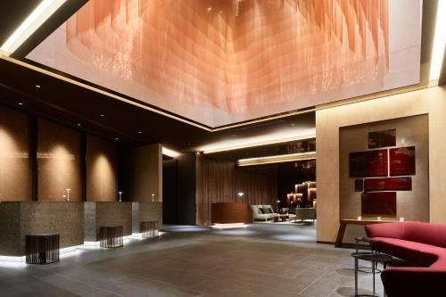 The lobby or reception area at Mitsui Garden Hotel Roppongi Tokyo Premier