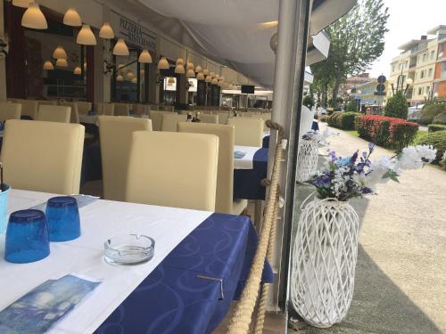 Restaurace v ubytování Hotel Adriatico