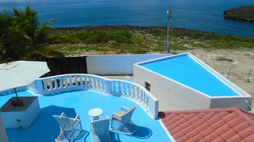 A view of the pool at Guesthouse Villa La Isla or nearby
