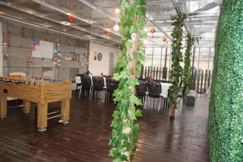 A restaurant or other place to eat at Hao Du Hotel Shanghai