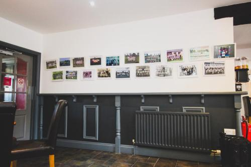 The lobby or reception area at The Kings Arms