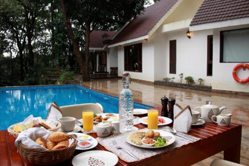 Breakfast options available to guests at The IBNII - Eco Luxury Resort
