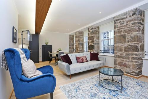 ALTIDO Newly Refurbished Apartment on the Historic Royal Mile