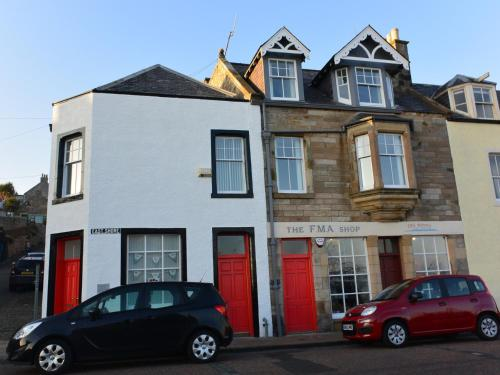 Pittenweem Harbour Location - Sea Views
