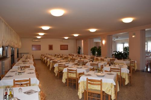 En restaurant eller et spisested på Hotel Pilotto