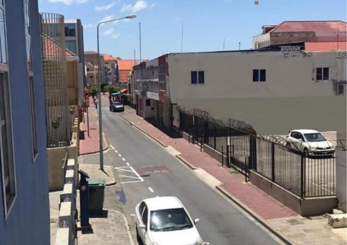 Uma visão geral de Willemstad ou uma vista da cidade tirada da pousada