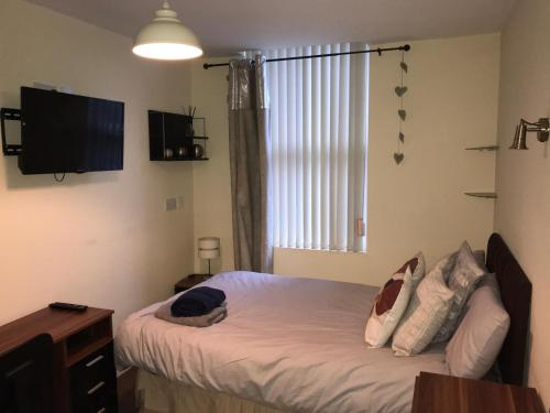 Double Bedroom in Superb House in Great Location 5
