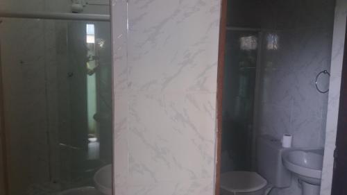 Um banheiro em Pousada do Guerreiro