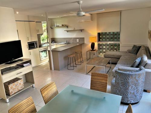 A kitchen or kitchenette at The Hastings Beach Houses