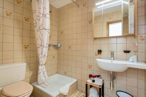 Ein Badezimmer in der Unterkunft Gasthof Bären