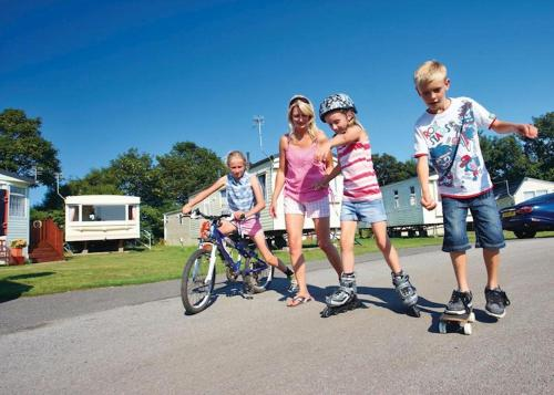 Country Coastal Holidays - Families and Couples only