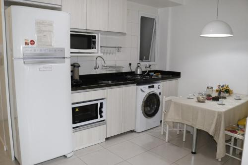 A kitchen or kitchenette at Flat Central London Tower by MY HOME