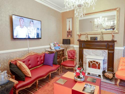 A seating area at New Llandudno Hotel