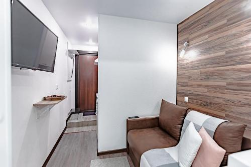 A seating area at Превосходные апартаменты м. Новокоссино
