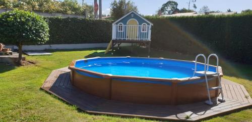 The swimming pool at or near Casita Valentina
