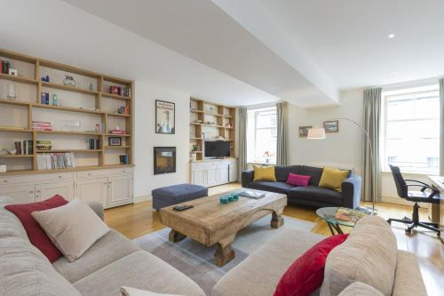 401 Thistle Street Apartment