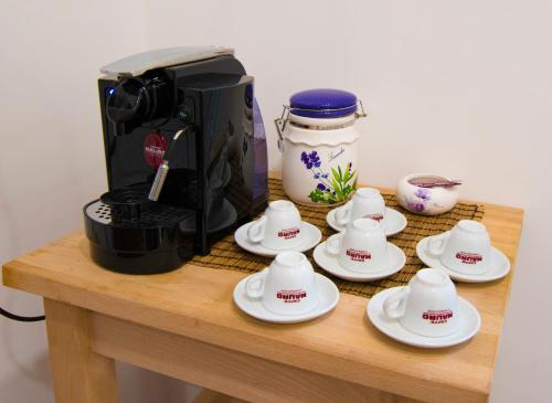 Coffee and tea-making facilities at Casa Cairoli