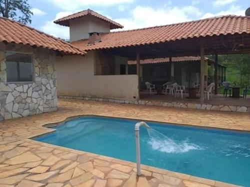 The swimming pool at or near Quintal da Roça