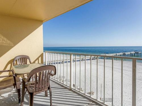 A balcony or terrace at Emerald Skye by Meyer Vacation Rentals