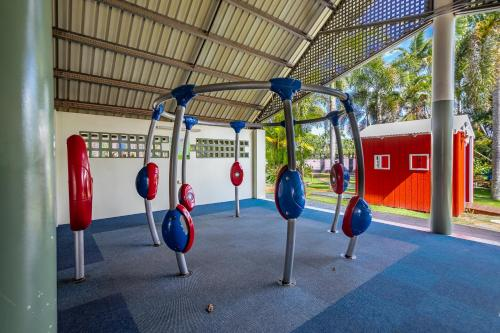 The fitness center and/or fitness facilities at Cairns Coconut Holiday Resort
