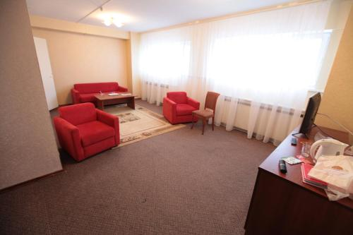 A seating area at Hotel Sevastopol Classic