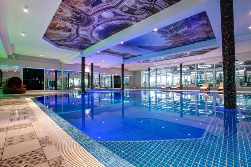 The swimming pool at or close to Vnukovo Village Guest House & SPA