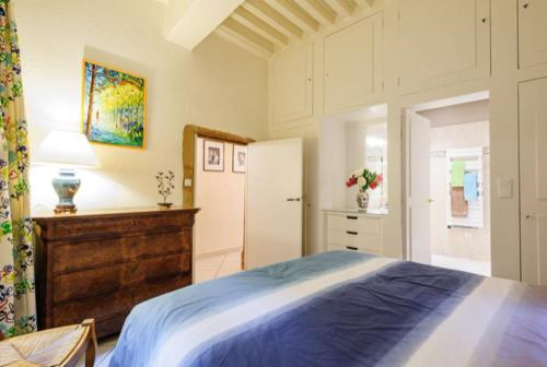 A bed or beds in a room at Côté Palais