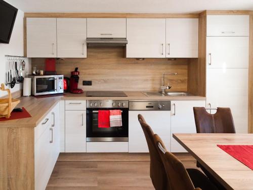 Küche/Küchenzeile in der Unterkunft Ferienwohnung Lederle