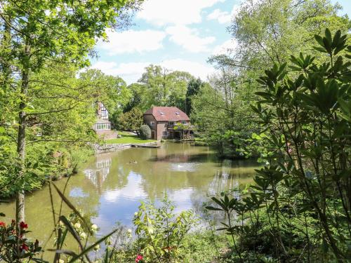 Miswells Cottages - Lake View