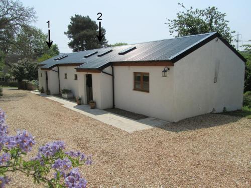 1 Shippen Cottages, Hayne Lane