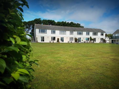 4 Brightland Apartments, Bude