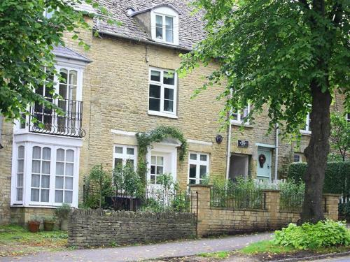 Hare House, CHIPPING NORTON