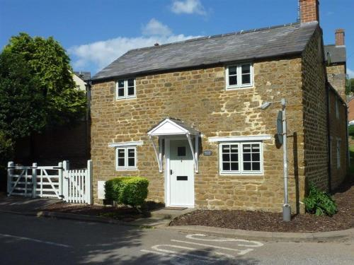 Hollytree Cottage, Chipping Norton